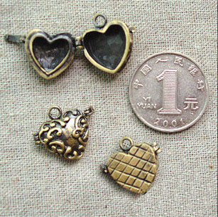 21x15MM Bronze Heart Locket